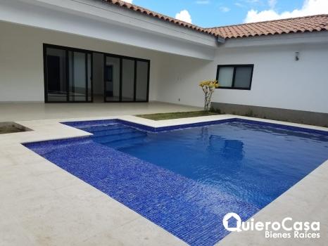 Renta de casa con piscina en Santa Lucía, santo domingo