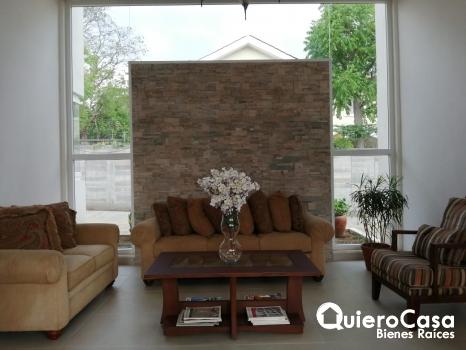 Casa moderna en venta en Carretera Sur