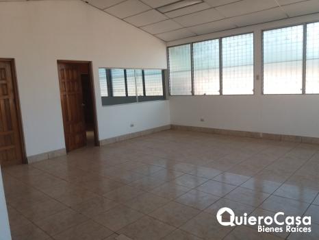 Renta de hermosa casa en Altamira ideal para oficina ubicada en calle