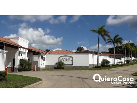 Preciosa casa condominio Santa Lucia.