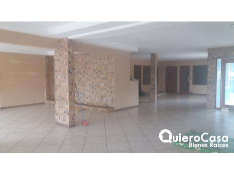 Renta de Local comercial  para restaurante o sport bar LK0203