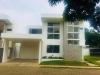 Venta y renta de bellisima casa en condominio Calista