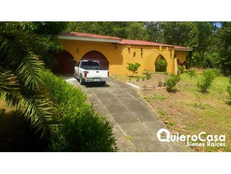 Venta de preciosa casa en Carretera vieja a León