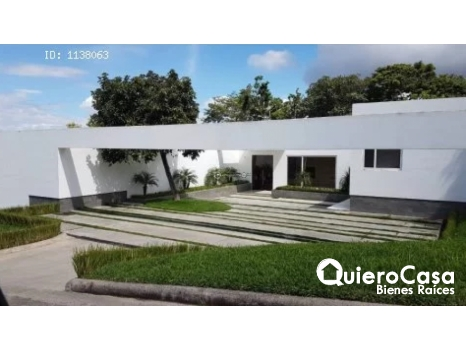 Hermosa casa en venta en Santo Domingo