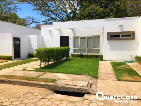 Renta de preciosa casa en Villas de las Colinas