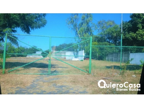 Renta de hermoso terreno ideal para autolotes