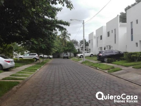 Renta de Townhouse en santo Domingo. CK0291
