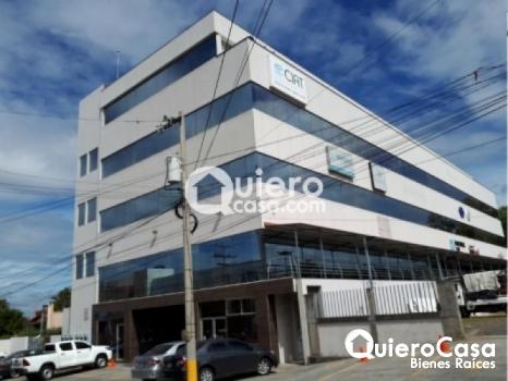 Se renta oficina de 120 mts2 en Villa Fontana