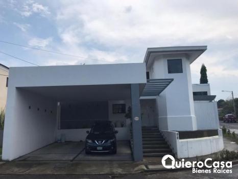 Moderna casa en Villa fonatana SUPER PRECIO