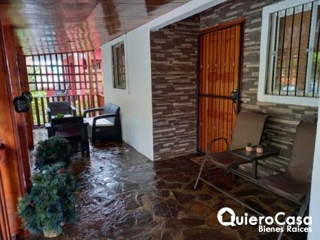 Preciosa Casa en residencial Mayales