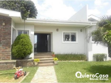 Venta de hermosa casa en el km10.5 carretera a masaya CK0335