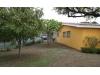 Casa en venta con amplia área verde.