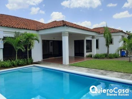 Preciosa casa en venta.
