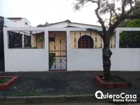 Se vende casa en los Robles