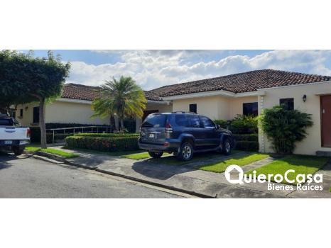 Se vende preciosa casa en Las Cumbres
