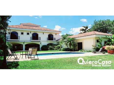 Se vende Espectacular Casa en Santo Domingo