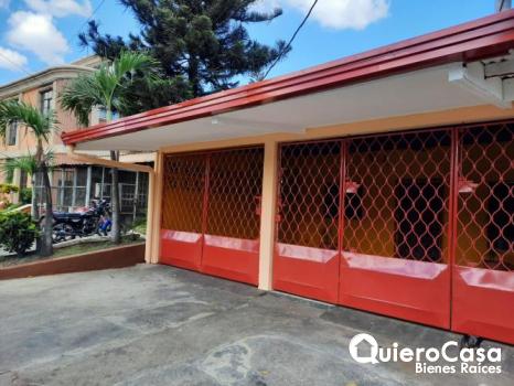 Casa en renta por centro comercial managua