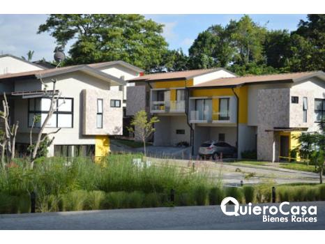 Preciosa y moderna casa en venta