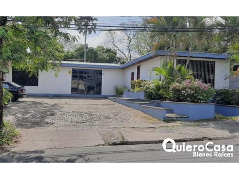 Hermosa casa en renta en Los Robles