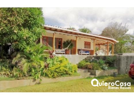 Hermosa casa en venta en Pochomil
