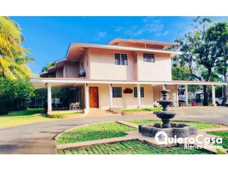 Espectacular residencia en venta en carretera vieja a Leon