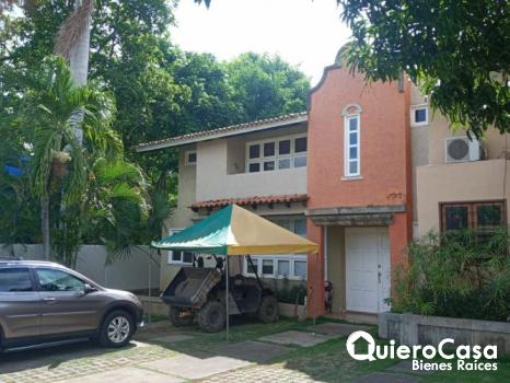Hermosa casa en renta en Santo Domingo