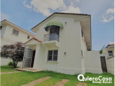 Preciosa casa en renta el Santo Domingo