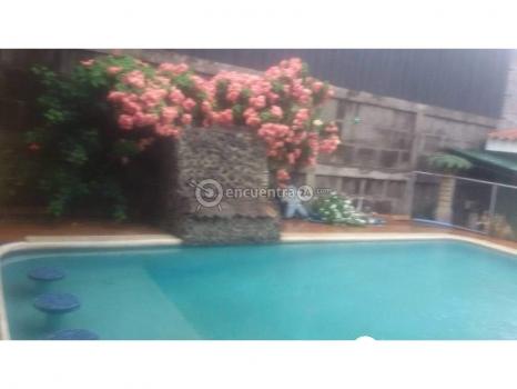 Casa grande con piscina 4 habitaciones, piscina, apartamento