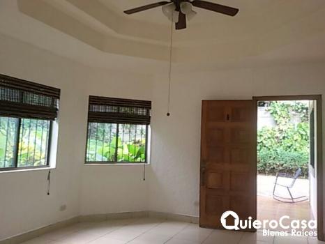 Preciosa casa en Las Cumbres CJ0057