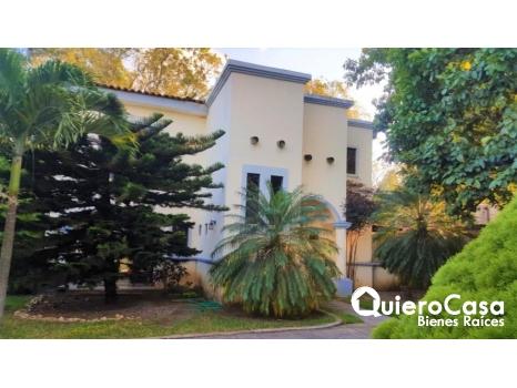 Se vende preciosa casa en La Estancia