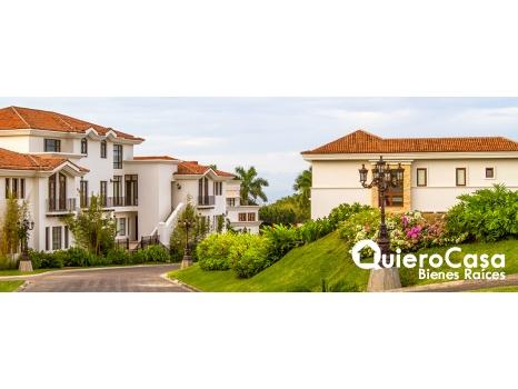 Renta de Preciosa Casa amueblada en Viejo Santo Domingo