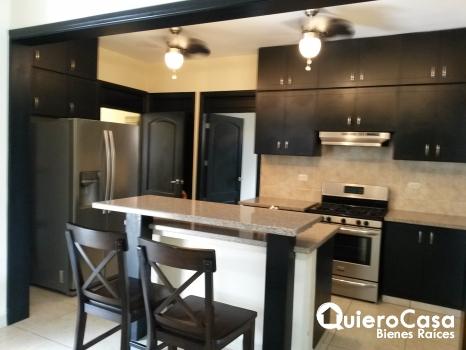 Renta/Venta de  preciosa casa amueblada en Santo Domingo
