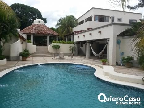 Se renta casa en Santo Domingo, CF0038