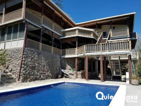 Se vende hermosa casa en playa el coco