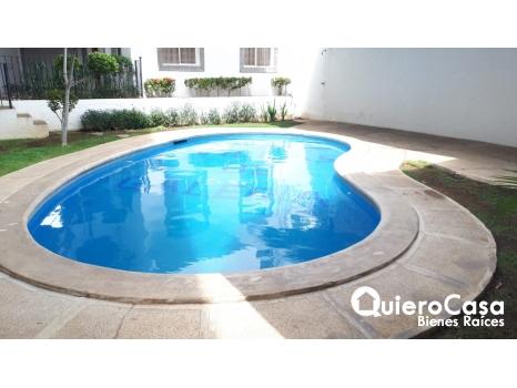 Se alquila apartamento amueblado con piscina