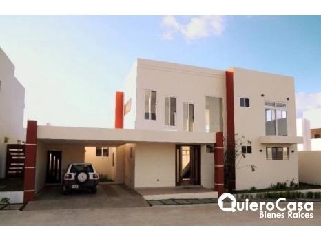 Casa de 2 plantas en Venta San Isidro Place