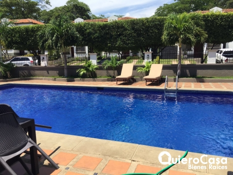 Renta hermosa casa en Santo Domingo