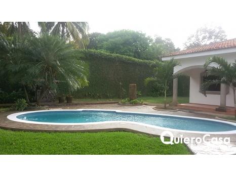 Preciosa casa en la Estancia de Santo Domingo