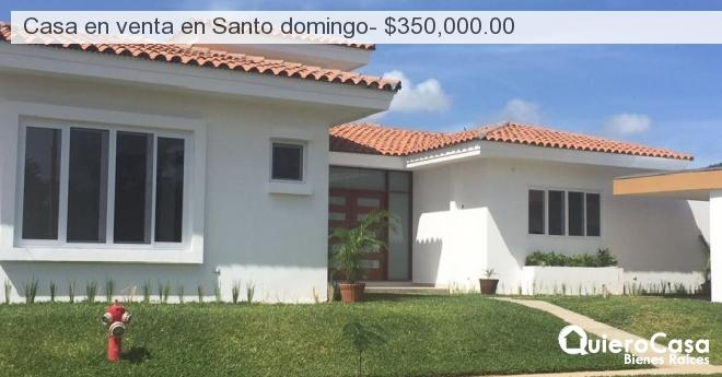 Casa en venta en Santo domingo- $350,000.00